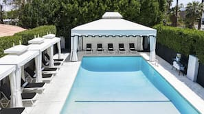 3 outdoor pools, free pool cabanas, pool umbrellas