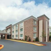 La Quinta Inn & Suites by Wyndham Sturbridge