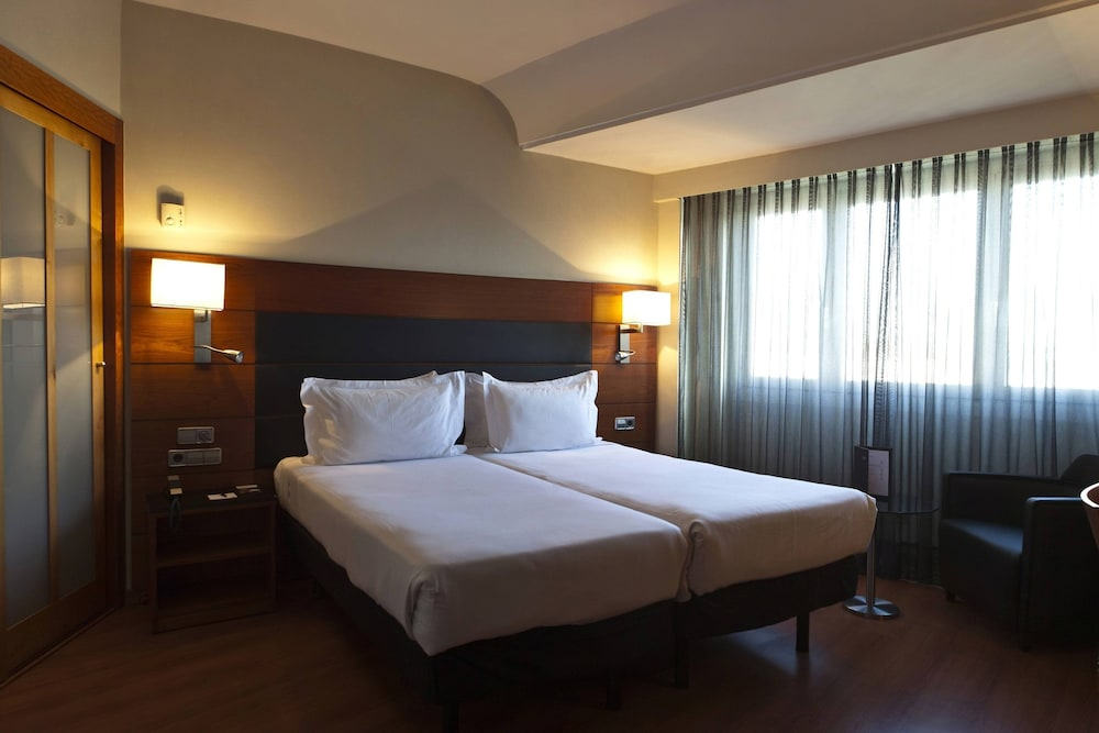 Room, AC Hotel Carlton Madrid by Marriott