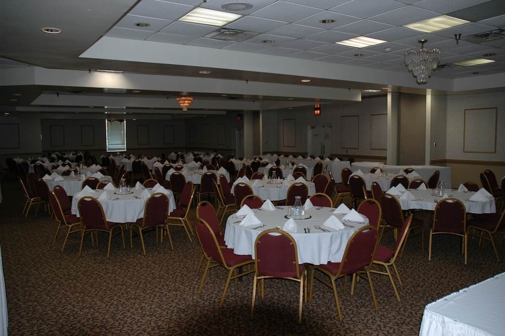 Banquet Hall, Clarion Hotel Conference Center - South
