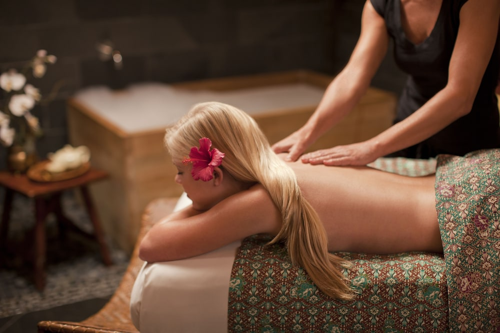 Massage, Paradise Point Resort & Spa