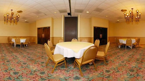 Banquet Hall, Quality Inn Somerset