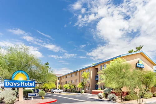 Days Hotel by Wyndham Mesa Near Phoenix