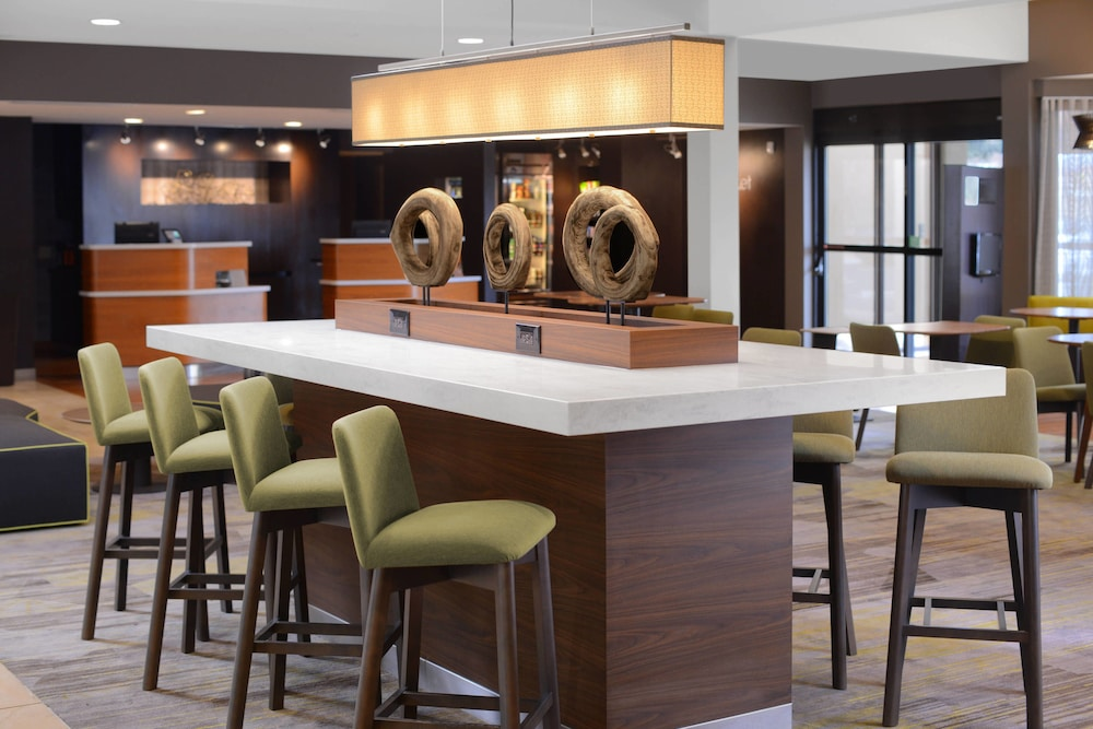 Bar, Courtyard by Marriott Boulder