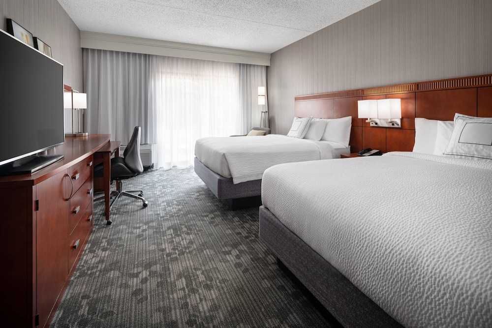 Room, Courtyard by Marriott Boulder