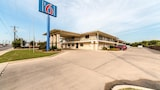 Motel 6 San Antonio - South WW White Road - San Antonio Hotels