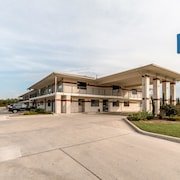 Motel 6 San Antonio - South WW White Road
