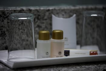 Executive Double Room (Courtyard New Style) - Bathroom Amenities