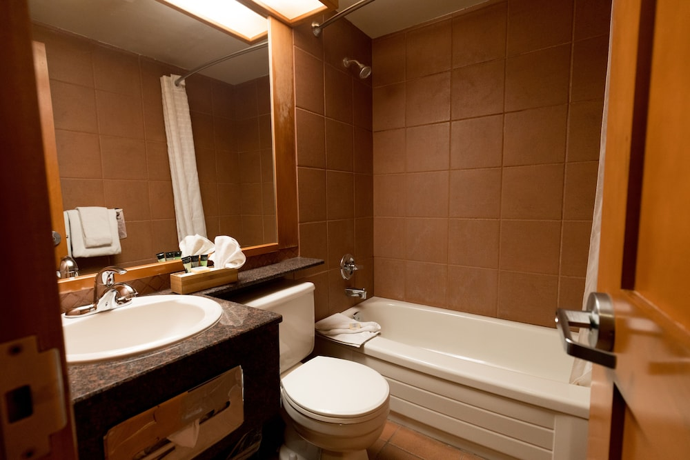 Bathroom, Hidden Ridge Resort