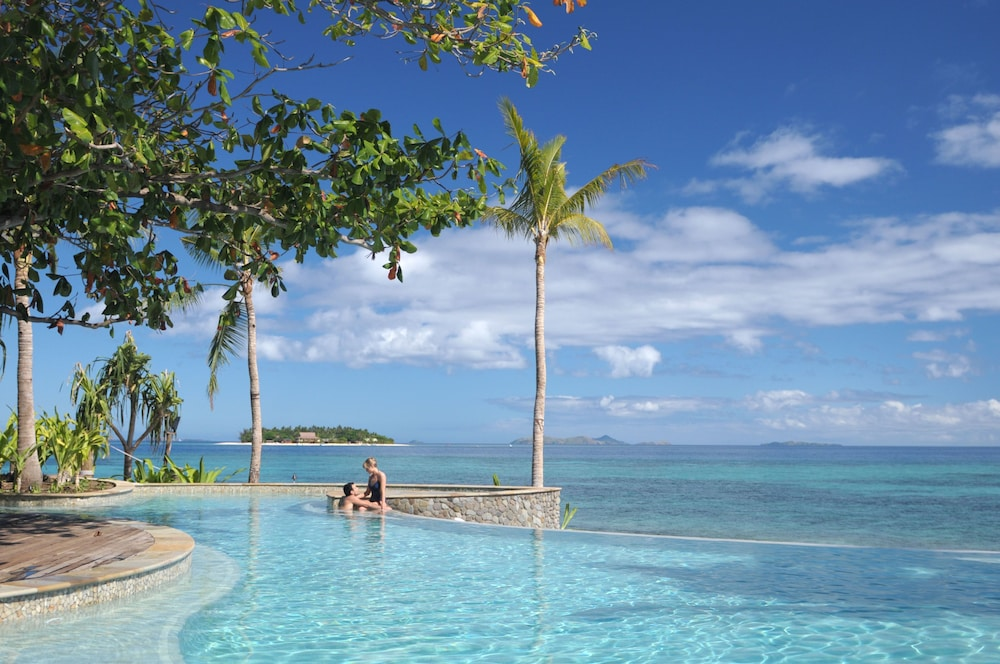 Infinity Pool, Treasure Island Resort