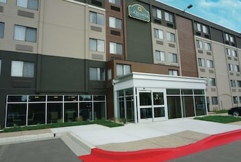 La Quinta Inn & Suites by Wyndham Baltimore N / White Marsh