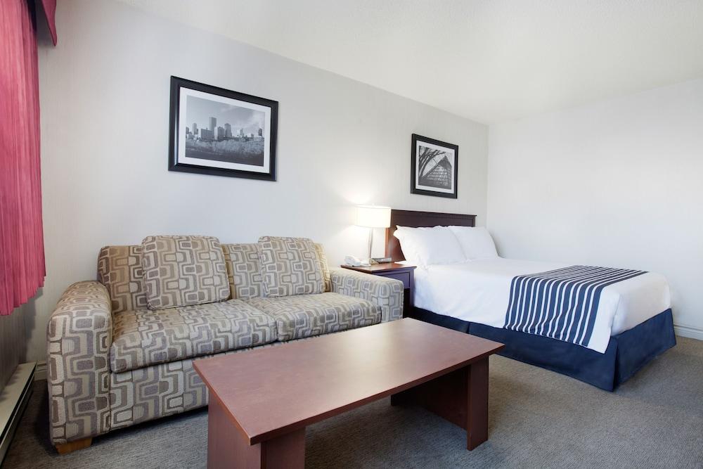 Sandman Hotel Edmonton West Reviews