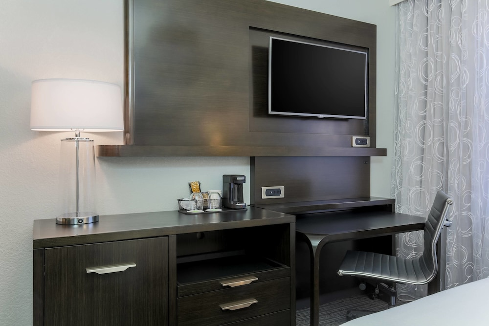 Room Amenity, Courtyard by Marriott San Francisco Union Square