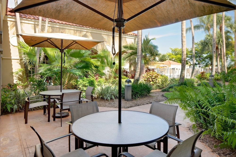 Balcony, Courtyard by Marriott Fort Lauderdale North/Cypress Creek