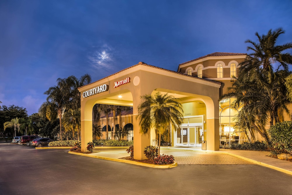 Exterior, Courtyard by Marriott Fort Lauderdale North/Cypress Creek