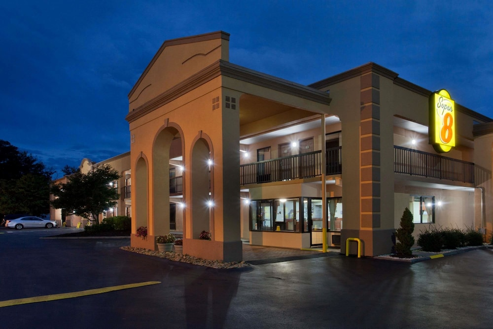 Featured Image, Super 8 by Wyndham Knoxville West/Farragut