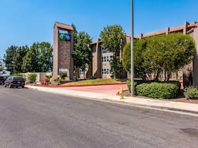 Holiday Inn Express & Suites Camarillo