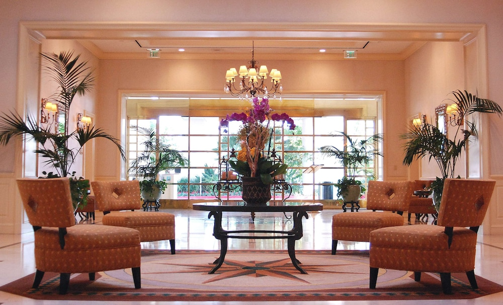 Reception, DoubleTree by Hilton Torrance - South Bay