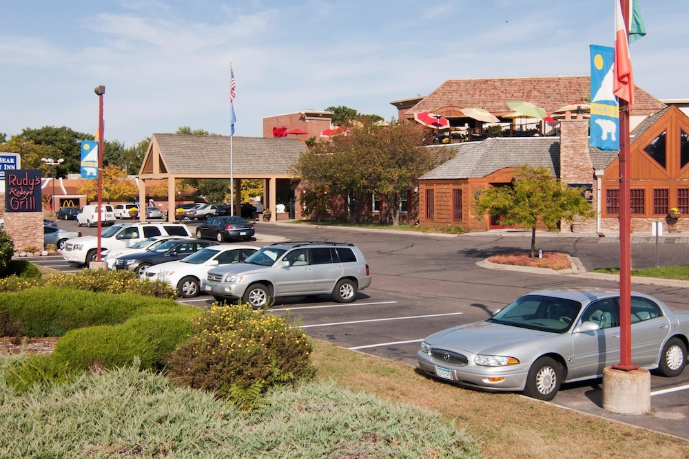 White Bear Lake (MN) United States  City new picture : Western Plus White Bear Country Inn White Bear Lake, United States ...
