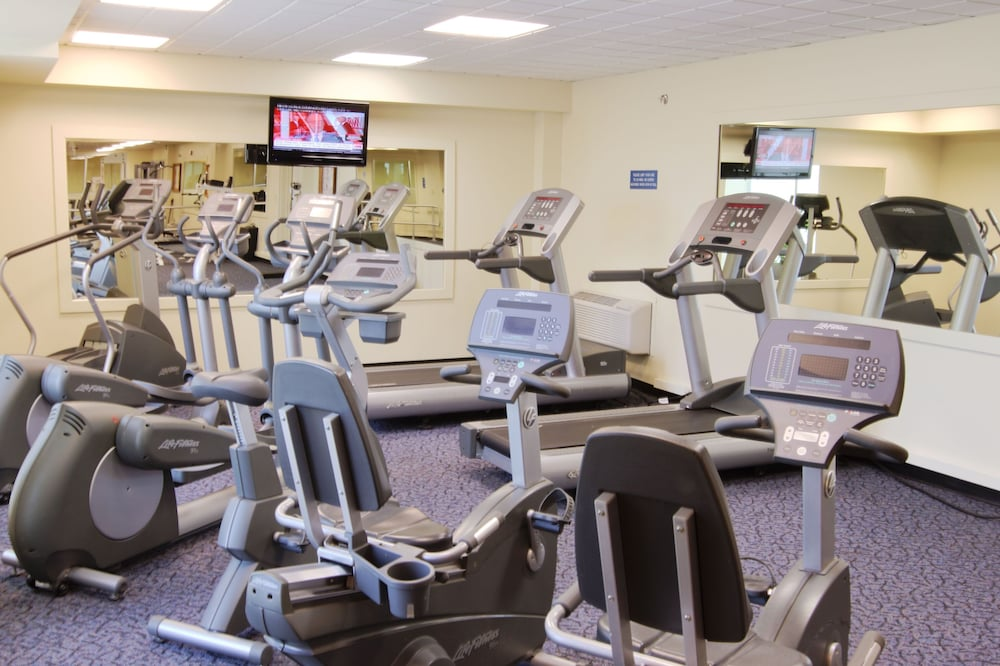 Fitness Facility, Holiday Inn Express & Suites Pittsburgh West - Greentree