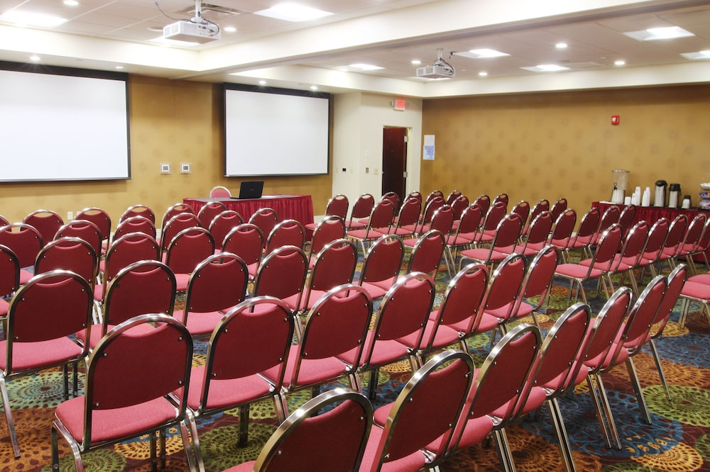 Meeting Facility, Holiday Inn Express & Suites Pittsburgh West - Greentree