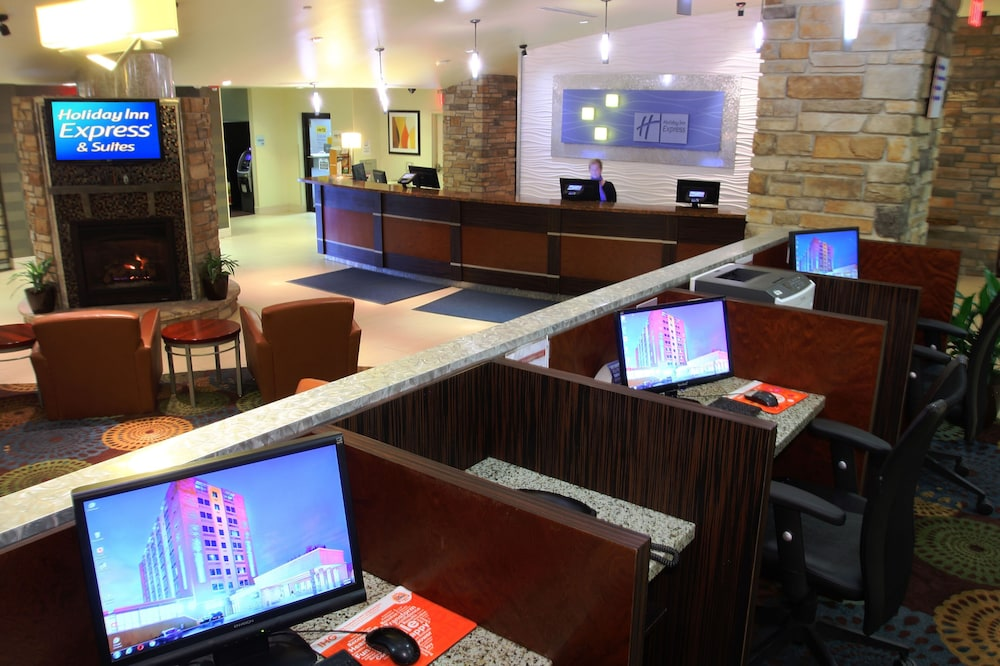 Business Center, Holiday Inn Express & Suites Pittsburgh West - Greentree