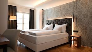 Hochwertige Bettwaren, Minibar, Zimmersafe, kostenpflichtige Babybetten