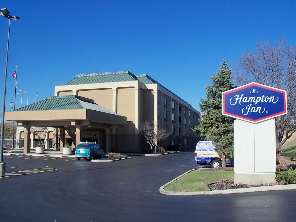 Exterior, Hampton Inn by Hilton Milwaukee Northwest