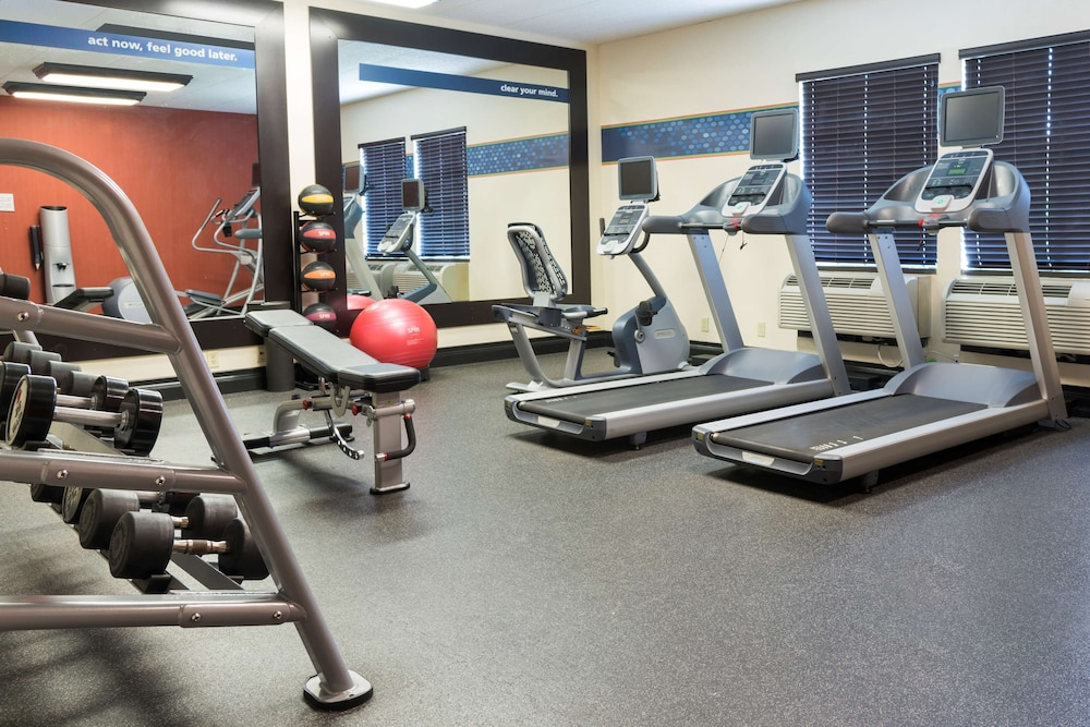 Fitness Facility, Hampton Inn by Hilton Milwaukee Northwest