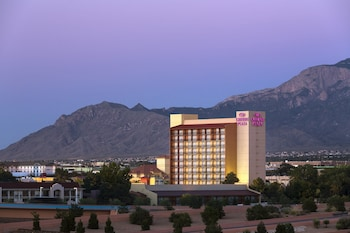 Crowne Plaza Albuquerque