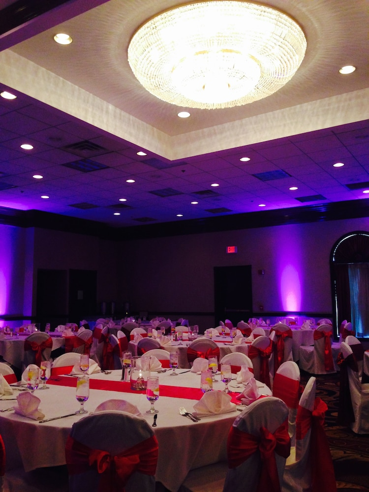 Ballroom, Holiday Inn Youngstown South