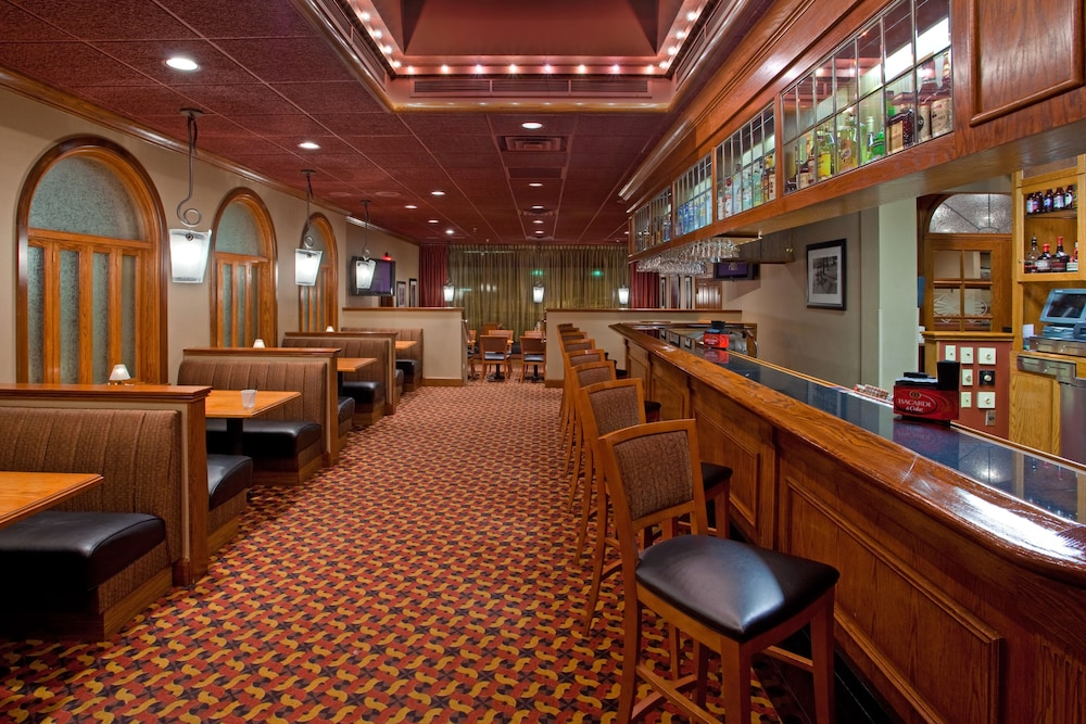 Bar, Holiday Inn Youngstown South