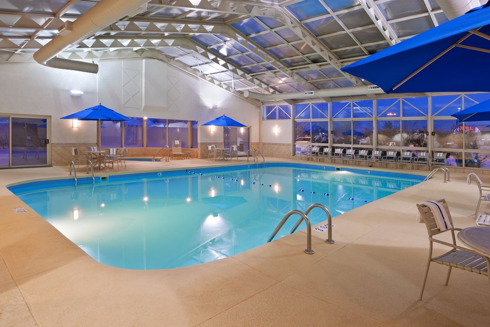 Pool, Holiday Inn Youngstown South