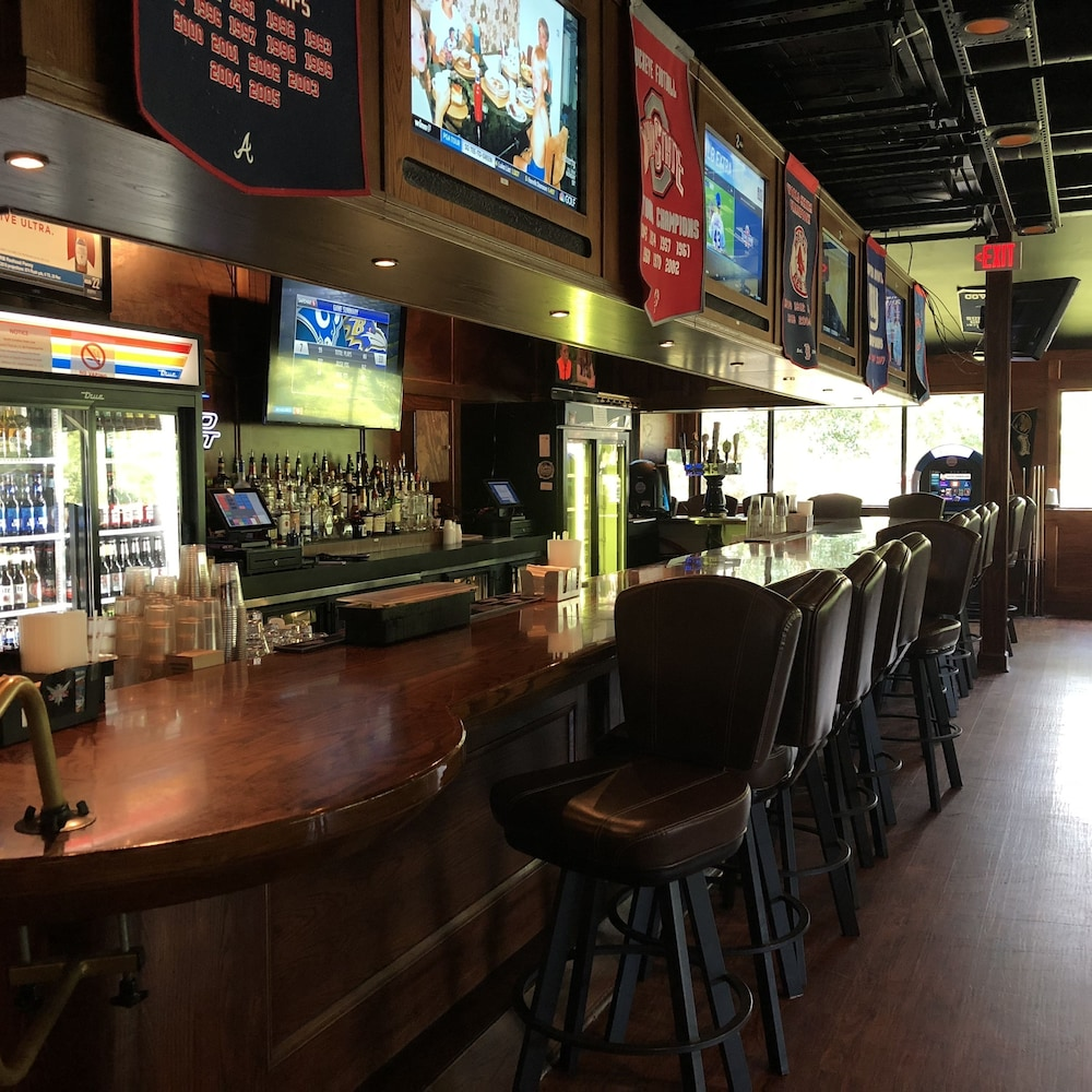 Sports Bar, Hilton Head Island Beach & Tennis Resort