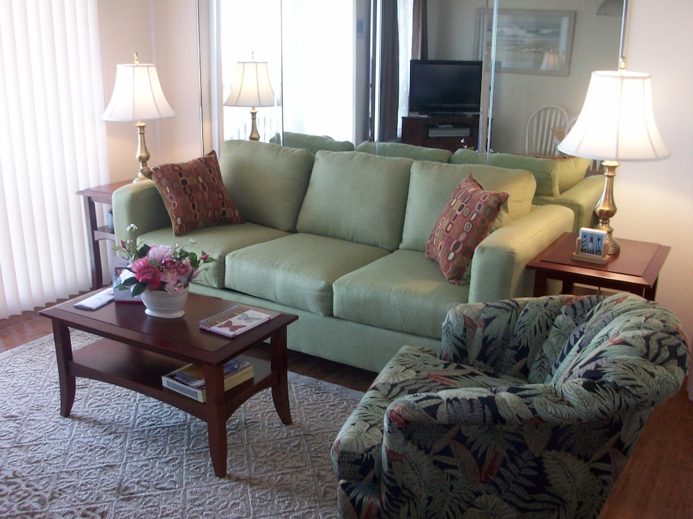 Living Room, Hilton Head Island Beach & Tennis Resort