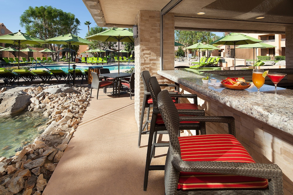 Poolside Bar, The Westin Mission Hills Golf Resort & Spa