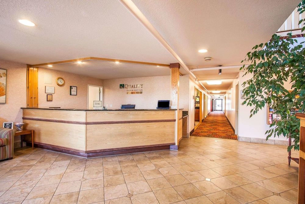Lobby, Quality Inn And Suites Vancouver