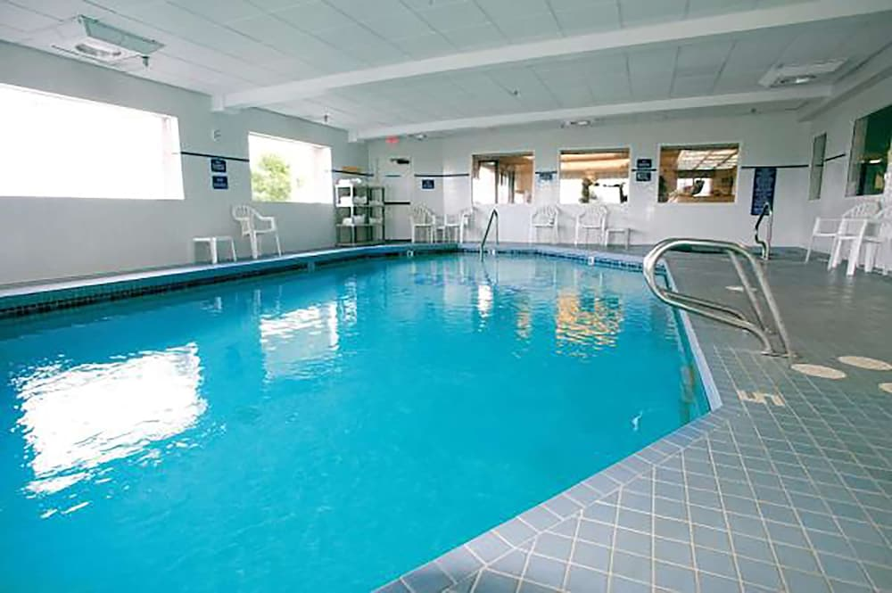 Indoor Pool, Shilo Inn Suites Hotel - Warrenton
