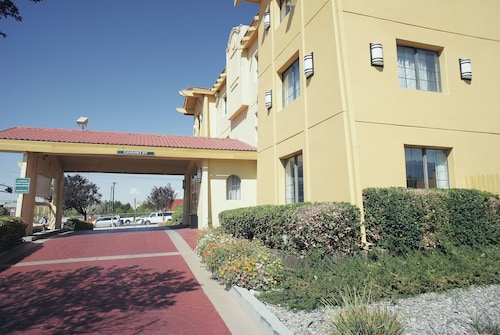 La Quinta Inn by Wyndham Albuquerque Airport