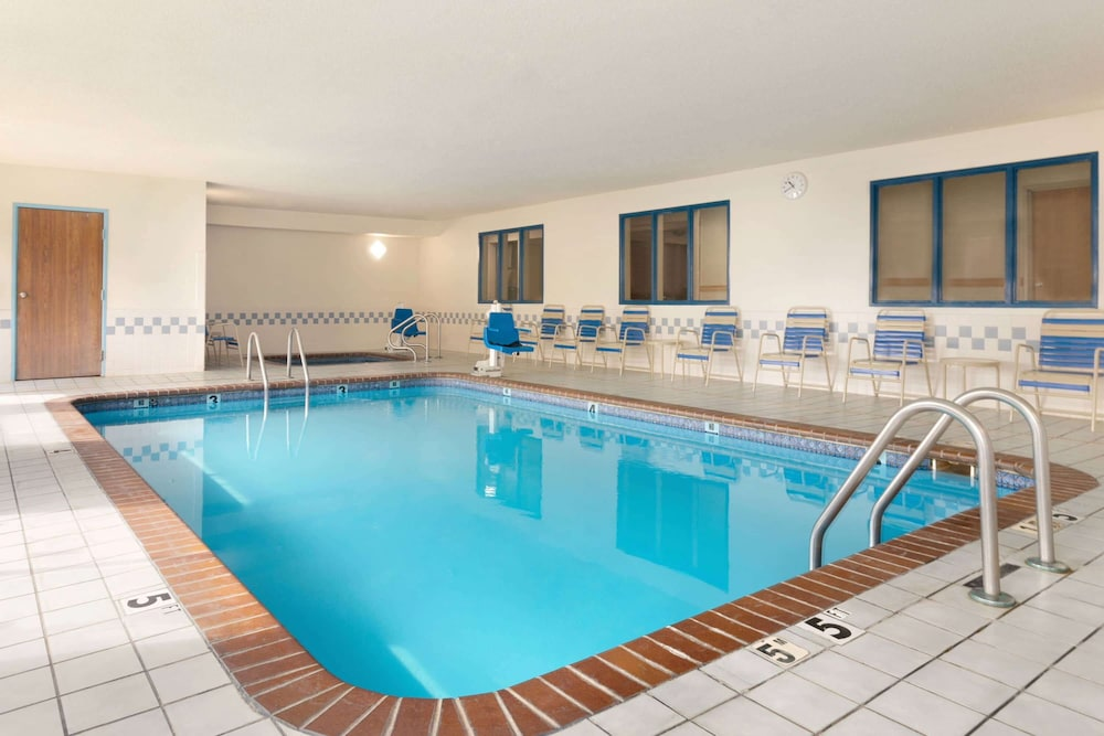 Pool, AmericInn by Wyndham Salina