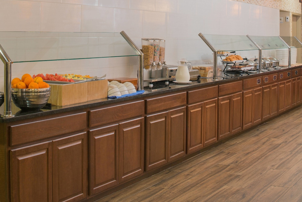 Breakfast buffet, Four Points by Sheraton Orlando International Drive