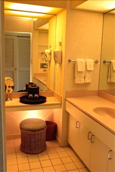 Standard Room, 1 Bedroom (Diamond Head Wing) - Bathroom