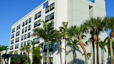 GLō Best Western  Ft. Lauderdale-Hollywood Airport Hotel