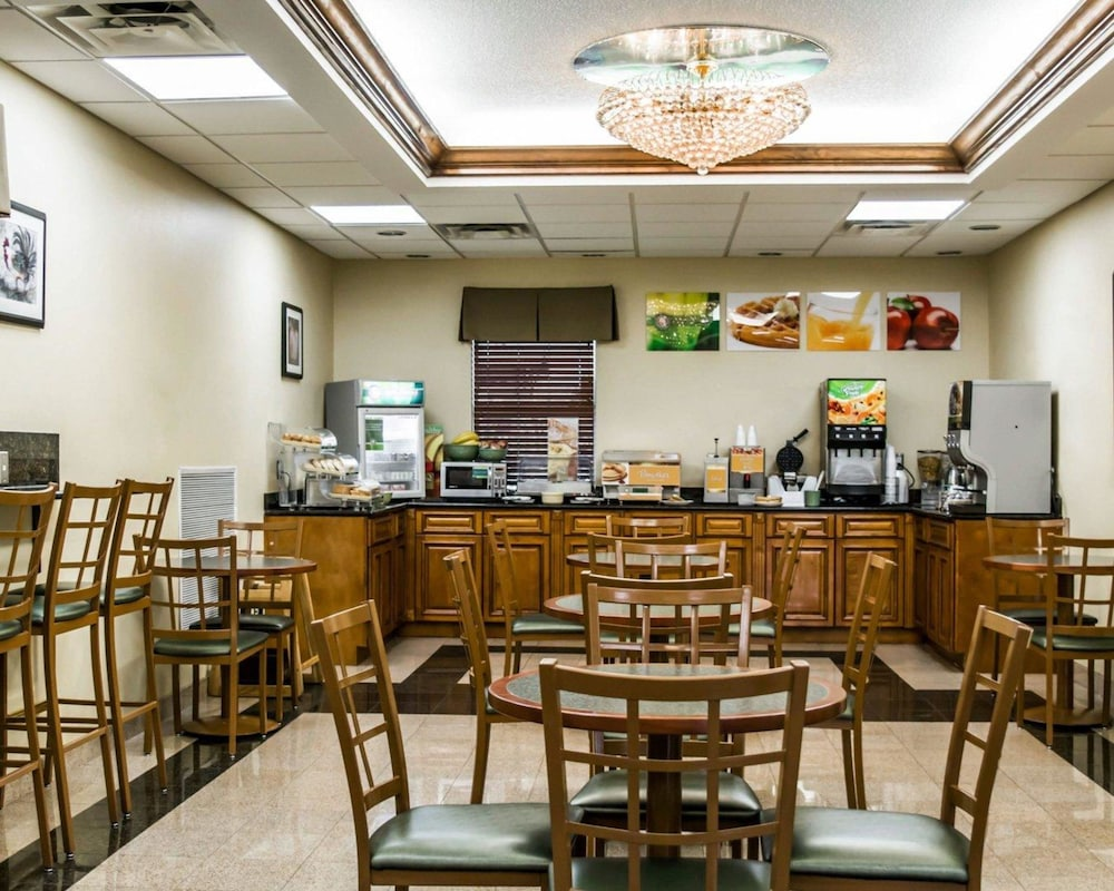 Breakfast Area, Quality Inn Airport - Cruise Port