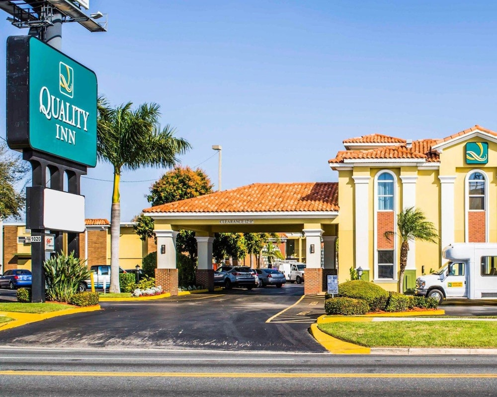 Exterior, Quality Inn Airport - Cruise Port