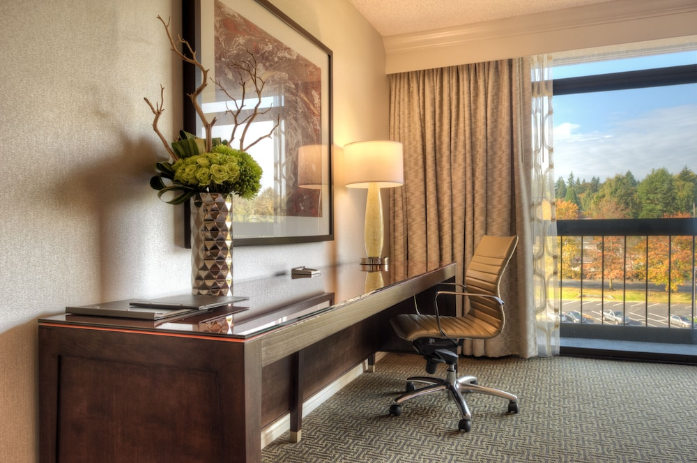Living Area, Hilton Bellevue