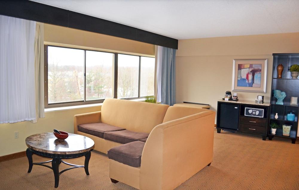 Tinton falls hotel singles Max Weinberg - Wikipedia