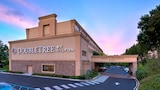 DoubleTree by Hilton Hotel Tinton Falls - Eatontown - Tinton Falls Hotels