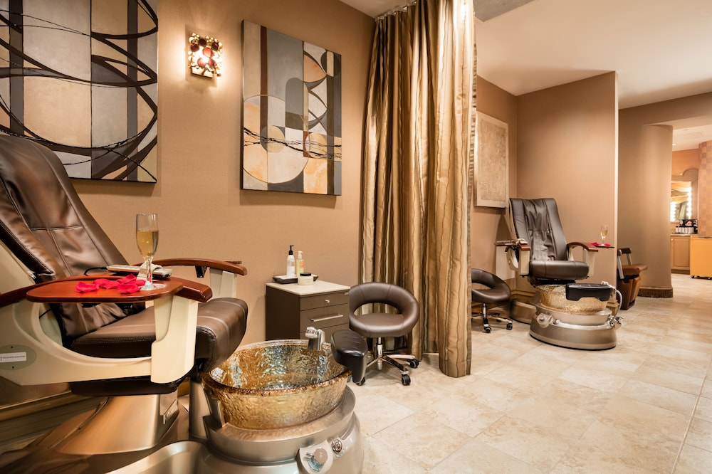 Nail Salon, The San Luis Resort, Spa & Conference Center