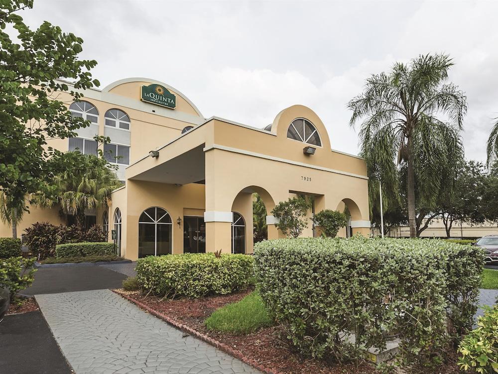 La Quinta Inn  U0026 Suites Miami Lakes  2017 Room Prices